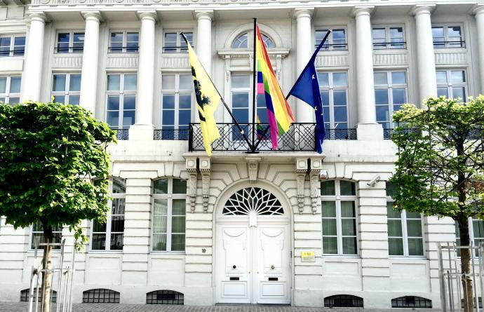 Regenboogvlag - Martelarenplein - IDAHO-forum 2017 - Brussel