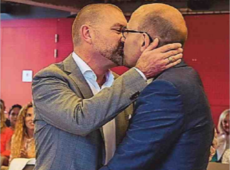 ) Vlaams Volksvertegenwoordiger Piet De Bruyn (N-VA) trouwt op Vlaamse feestdag