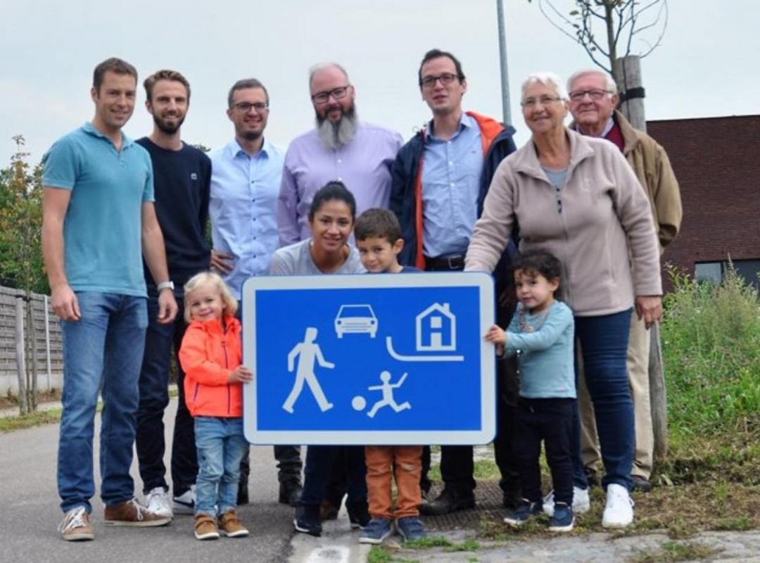 Vinneveld en Uilenhoek willen woonerf worden - Piet De Bruyn