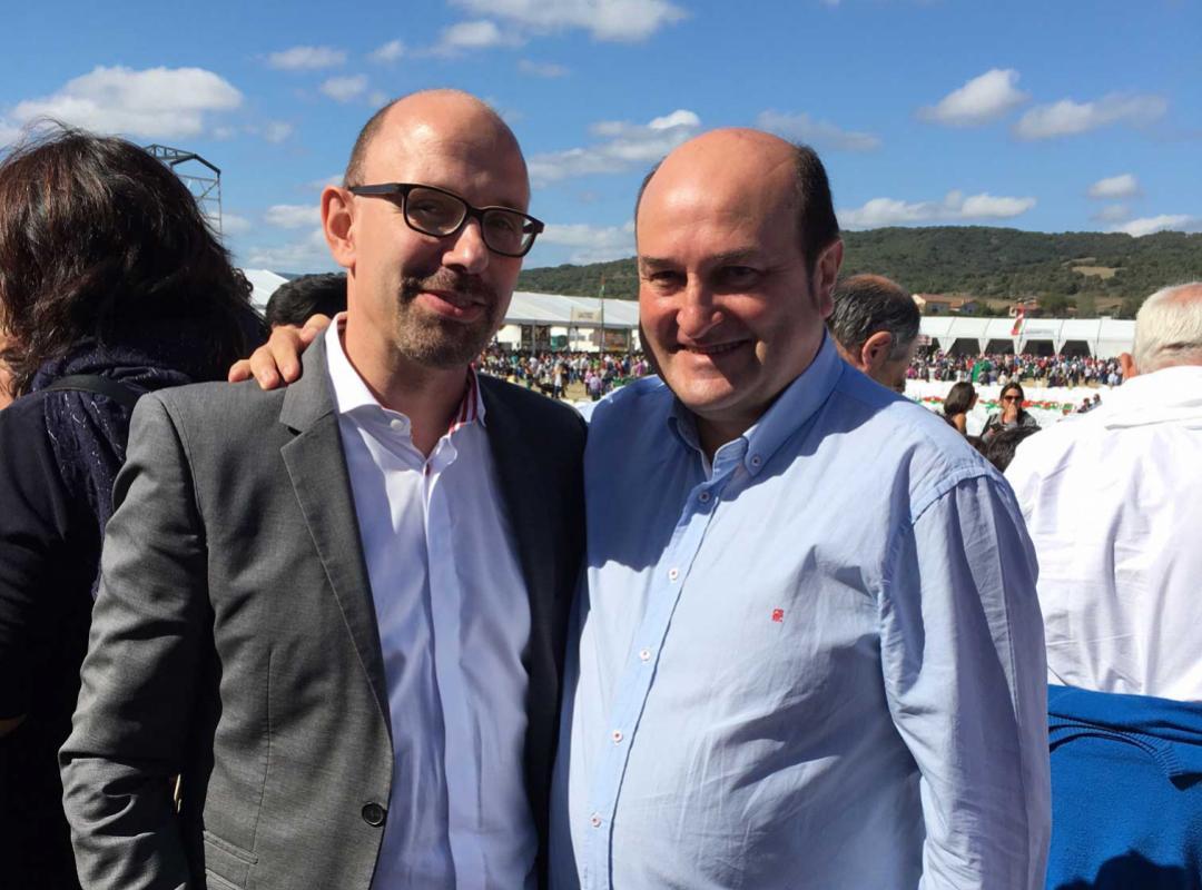 Piet samen met PNV-partijvoorzitter Andoni Ortuzar - Baskenland - Alderdi Eguna (partijdag)
